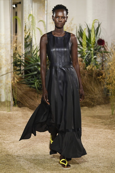 Hermès Resort 2019 (80291-Hermès-Resort-2019-b.jpg)