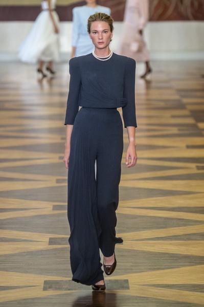 Ulyana Sergeenko Couture осень-зима 2018/19 (80307-Ulyana-Sergeenko-Couture-FW-2018-02.jpg)