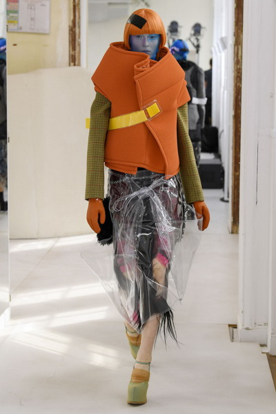 Maison Margiela Couture осень-зима 2018/19 (80382-Maison-Margiela-Couture-2018-19-03.jpg)