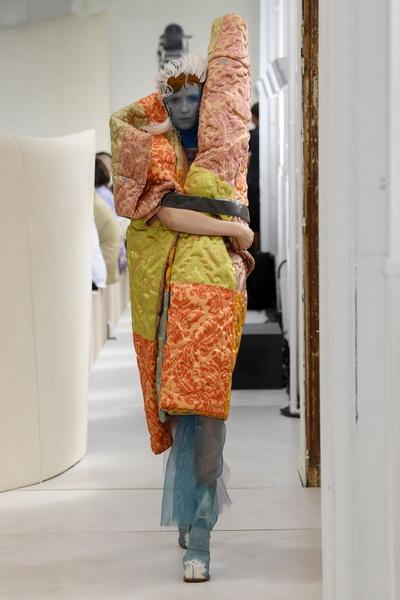 Maison Margiela Couture осень-зима 2018/19 (80382-Maison-Margiela-Couture-2018-19-07.jpg)