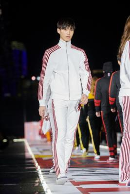 TOMMYNOW FALL 2018 (81035-TOMMYNOW-FALL-2018-07.jpg)