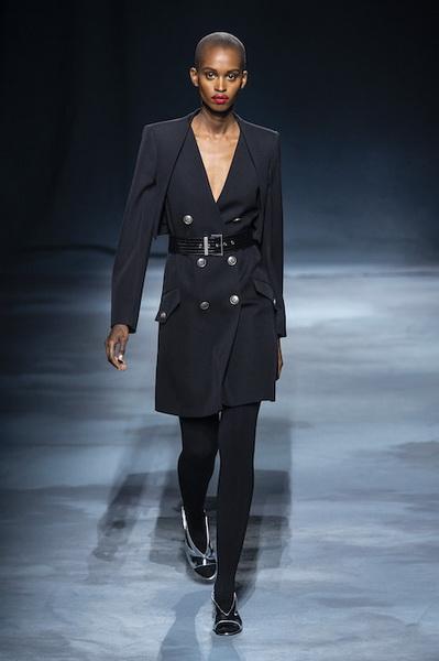 Givenchy весна-лето 2019 (81528-Givenchy-SS-2019-05.jpg)