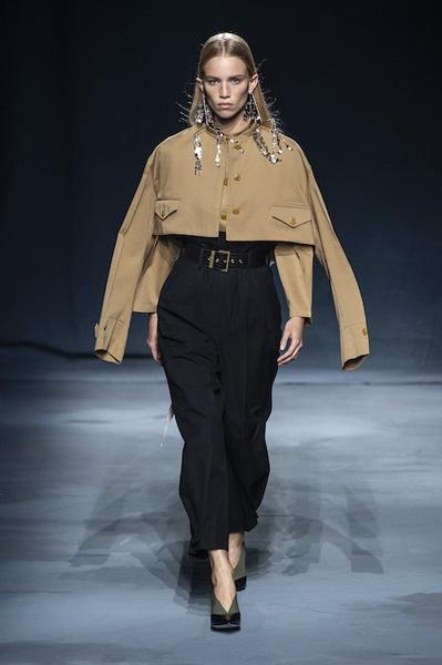 Givenchy весна-лето 2019 (81528-Givenchy-SS-2019-06.jpg)