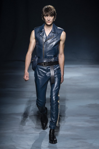 Givenchy весна-лето 2019 (81528-Givenchy-SS-2019-10.jpg)
