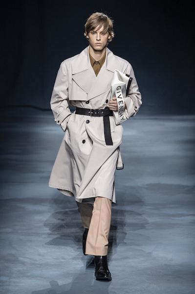 Givenchy весна-лето 2019 (81528-Givenchy-SS-2019-12.jpg)