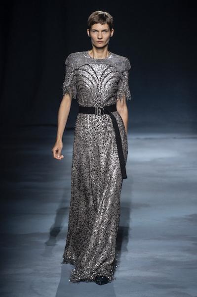 Givenchy весна-лето 2019 (81528-Givenchy-SS-2019-15.jpg)