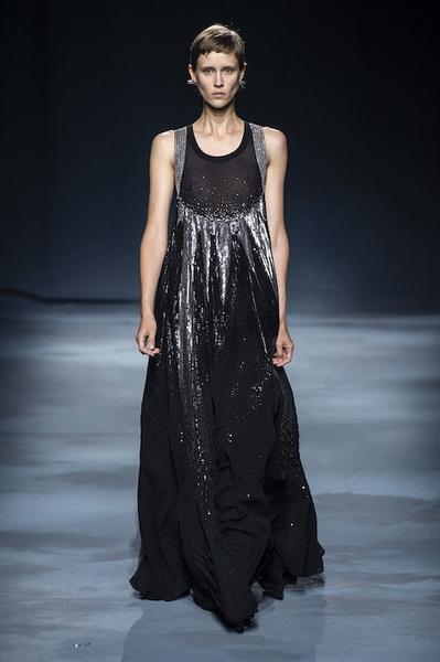 Givenchy весна-лето 2019 (81528-Givenchy-SS-2019-16.jpg)