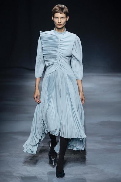 Givenchy весна-лето 2019 (81528-Givenchy-SS-2019-b.jpg)
