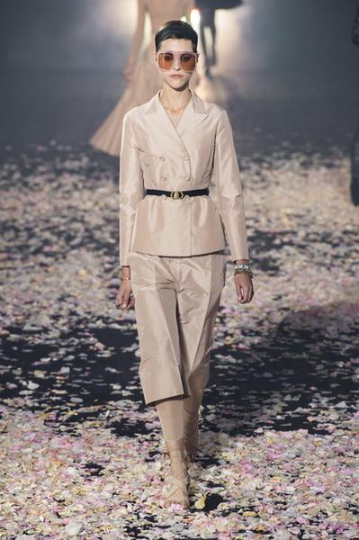 Dior весна-лето 2019 (81582-Dior-SS-2019-05.jpg)