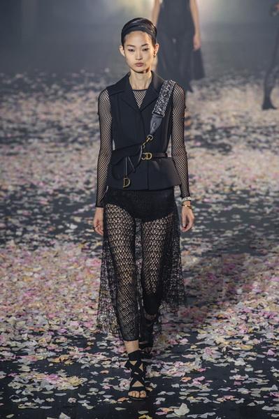 Dior весна-лето 2019 (81582-Dior-SS-2019-06.jpg)
