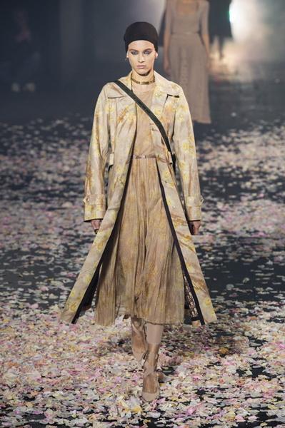 Dior весна-лето 2019 (81582-Dior-SS-2019-09.jpg)