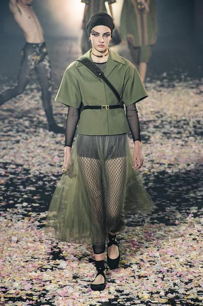 Dior весна-лето 2019 (81582-Dior-SS-2019-11.jpg)