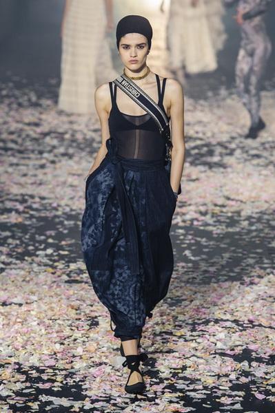 Dior весна-лето 2019 (81582-Dior-SS-2019-13.jpg)