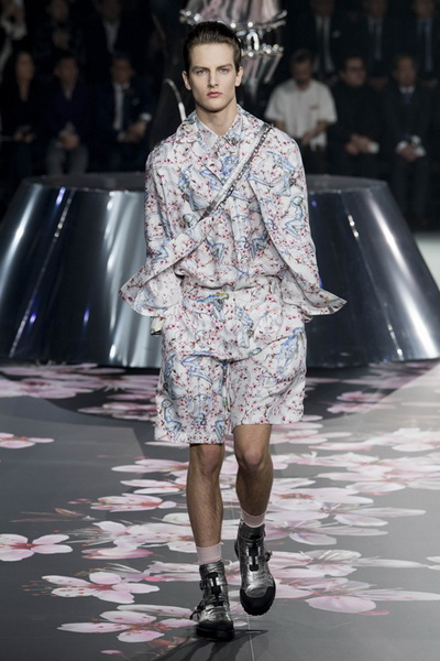 Dior Men Pre-Fall 2019 (82274-Dior-Men-Pre-Fall-2019-03.jpg)