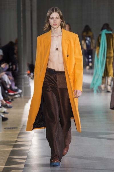 Acne Studios Menswear осень-зима 2019 (82795-Acne-Studios-Menswear-SS-2019-19.jpg)