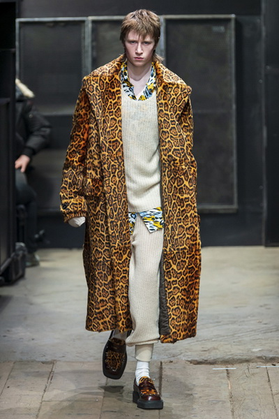Marni Menswear осень-зима 2019 (82827-Marni-Menswear-SS-2019-09.jpg)