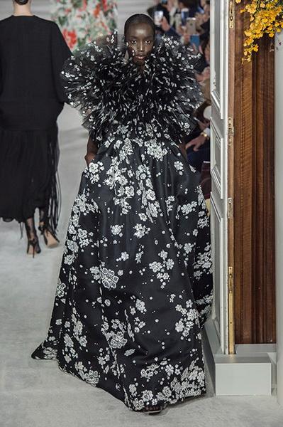VALENTINO Haute Couture весна-лето 2019 (82957-Valentino-Haute-Couture-2019-14.jpg)