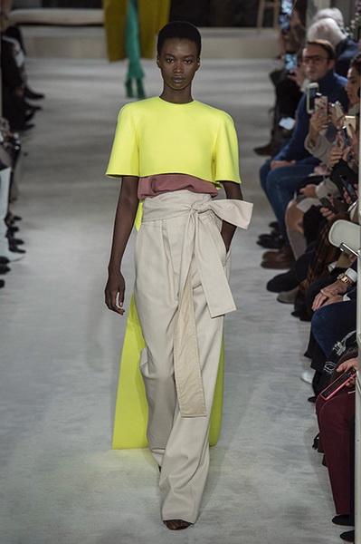 VALENTINO Haute Couture весна-лето 2019 (82957-Valentino-Haute-Couture-2019-18.jpg)
