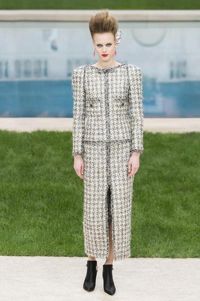 Chanel Couture весна-лето 2019 (83011-Chanel-Haute-Couture-2019-01.jpg)