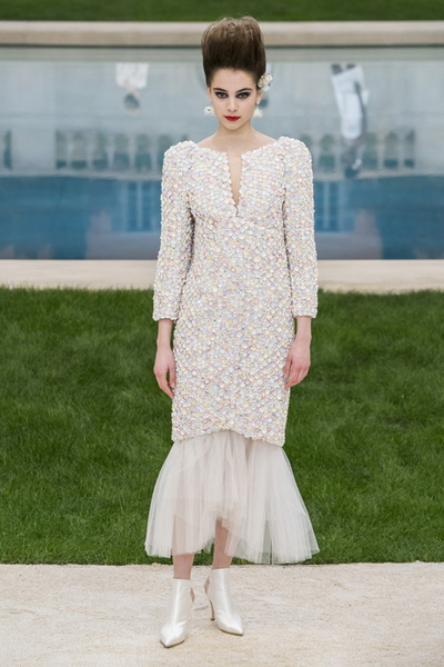 Chanel Couture весна-лето 2019 (83011-Chanel-Haute-Couture-2019-17.jpg)