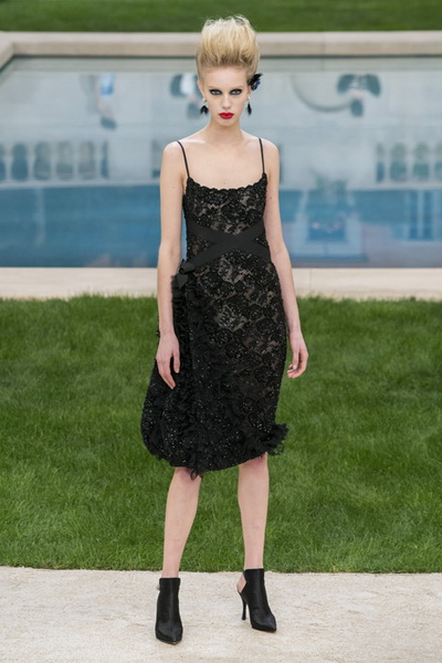 Chanel Couture весна-лето 2019 (83011-Chanel-Haute-Couture-2019-20.jpg)