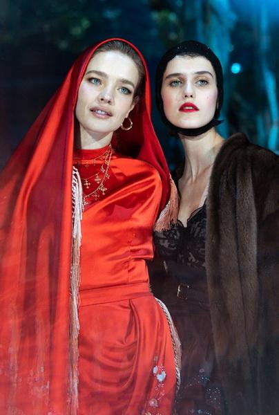 Ulyana Sergeenko Couture весна-лето 2019 (83065-Ulyana-Sergeenko-Couture-2019-09.jpg)