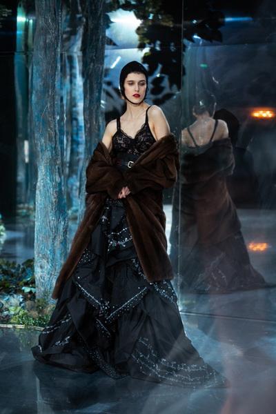 Ulyana Sergeenko Couture весна-лето 2019 (83065-Ulyana-Sergeenko-Couture-2019-13.jpg)