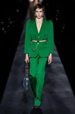 Givenchy осень-зима 2019 (83576-Givenchy-AW-2019-02.jpg)