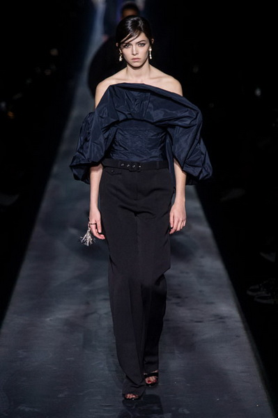 Givenchy осень-зима 2019 (83576-Givenchy-AW-2019-15.jpg)