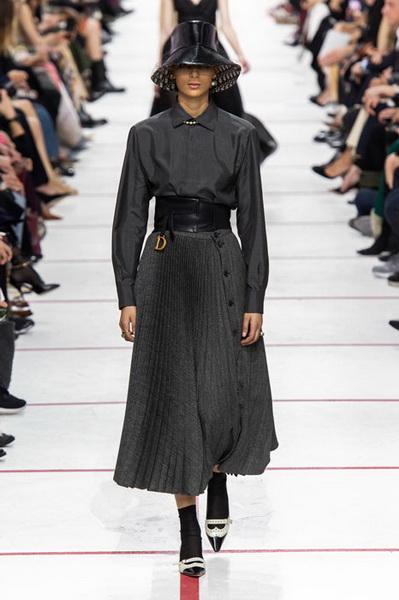 Dior осень-зима 2019 (83601-Dior-AW-2019-08.jpg)