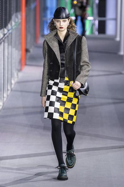 Louis Vuitton осень-зима 2019 (83626-Louis-Vuitton-AW-2019-11.jpg)