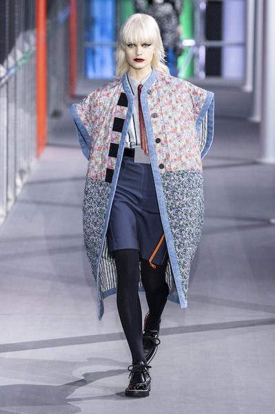 Louis Vuitton осень-зима 2019 (83626-Louis-Vuitton-AW-2019-13.jpg)