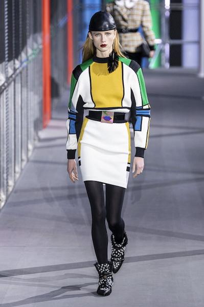 Louis Vuitton осень-зима 2019 (83626-Louis-Vuitton-AW-2019-15.jpg)