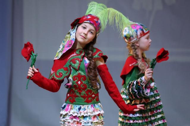 «Золотая игла»: финал XXIII конкурса детских театров моды и студий костюма (84041-zolotajaigla-01.jpg)