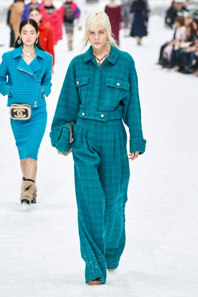 Chanel осень-зима 2019 (84051-Chanel-AW-2019-14.jpg)