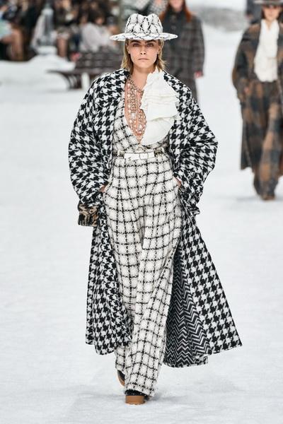 Chanel осень-зима 2019 (84051-Chanel-AW-2019-b.jpg)