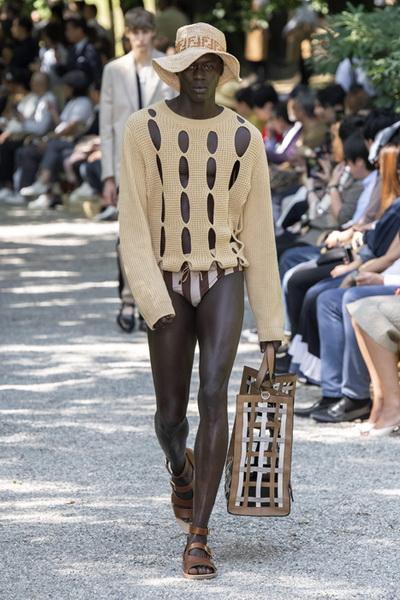 Fendi мужская коллекция весна-лето 2020 (84614-Fendi-Menswear-SS-2020-13.jpg)