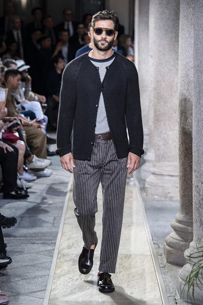 Giorgio Armani Menswear SS 2020 (84631-Giorgio-Armani-Menswear-SS-2020-05.jpg)