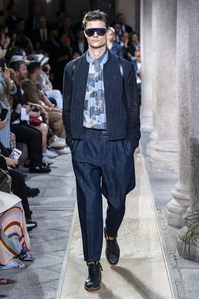 Giorgio Armani Menswear SS 2020 (84631-Giorgio-Armani-Menswear-SS-2020-11.jpg)