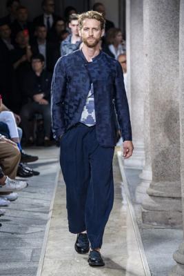 Giorgio Armani Menswear SS 2020 (84631-Giorgio-Armani-Menswear-SS-2020-12.jpg)