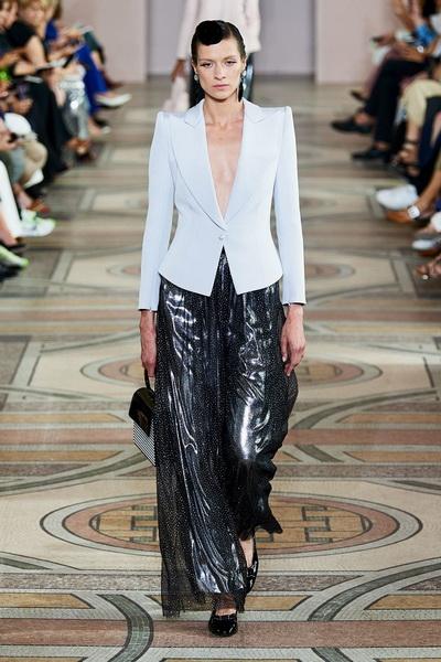 Armani Prive Haute Couture осень-зима 2019-2020 (85008-Armani-Couture-FW-2019-03.jpg)
