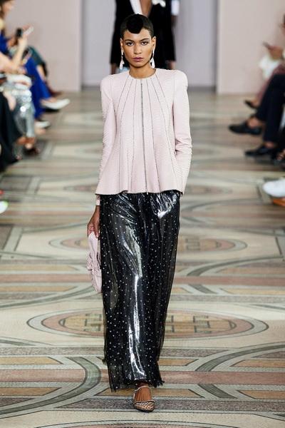 Armani Prive Haute Couture осень-зима 2019-2020 (85008-Armani-Couture-FW-2019-04.jpg)