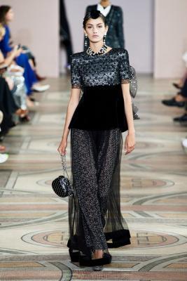 Armani Prive Haute Couture осень-зима 2019-2020 (85008-Armani-Couture-FW-2019-06.jpg)