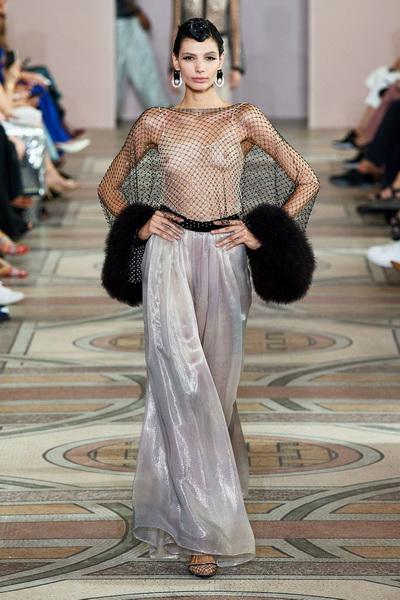 Armani Prive Haute Couture осень-зима 2019-2020 (85008-Armani-Couture-FW-2019-15.jpg)