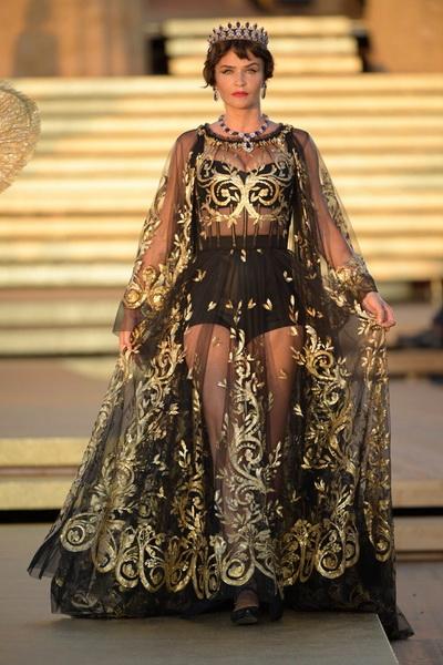 Dolce & Gabbana Alta Moda осень-зима 2019-2020  (85310-Dolce-Gabbana-FW-2020-01.jpg)