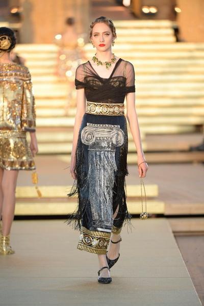 Dolce & Gabbana Alta Moda осень-зима 2019-2020  (85310-Dolce-Gabbana-FW-2020-05.jpg)