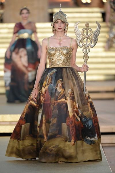 Dolce & Gabbana Alta Moda осень-зима 2019-2020  (85310-Dolce-Gabbana-FW-2020-b.jpg)