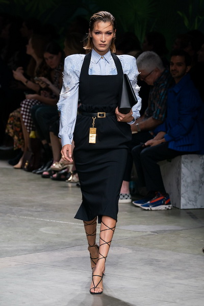 Versace весна-лето 2020 (85977-Versace-SS-2020-03.jpg)