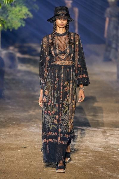 Dior весна-лето 2020 (85999-Dior-SS-2020-b.jpg)