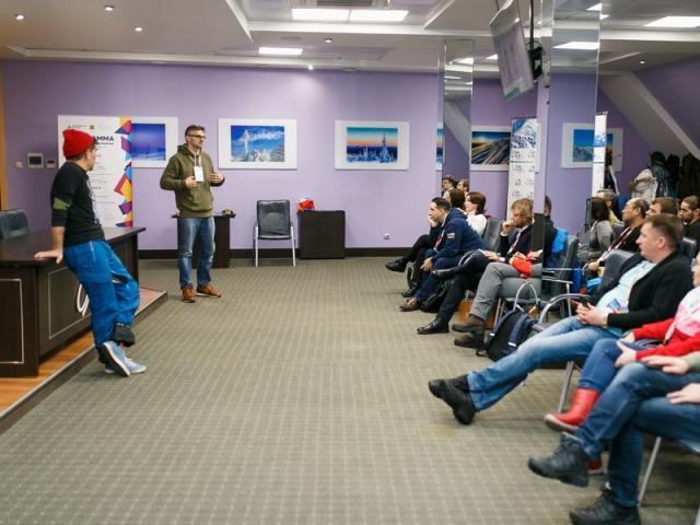 Минпромторг представил в СТК «Шерегеш» одежду для зимних видов спорта (86423-sheregesh-02.jpg)